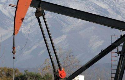 Para revertir la caída de la producción, Mendoza lanza la licitación de cinco áreas petroleras