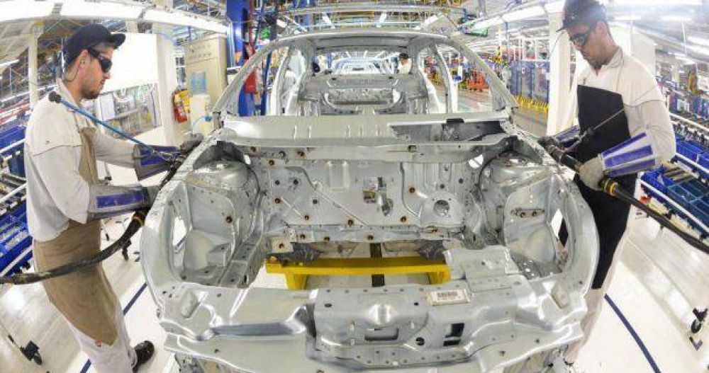 """Fiat deja de producir cajas de cambio en el país y """"retirará"""" 300 empleados"""