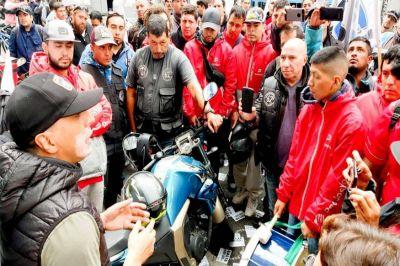 """Un mar de motociclistas marcharon contra las APPS """"negreras"""" y fueron recibidos por el gobierno porteño"""