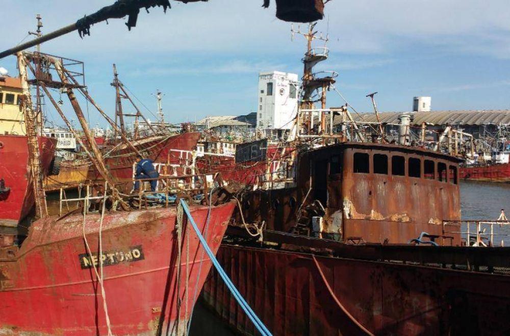 Desguazarán 20 buques abandonados en las aguas del Puerto