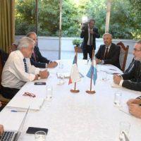 Argentina y Chile buscan aumentar el comercio de gas