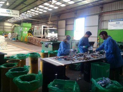 Realizan un estudio de caracterización de residuos en la planta de reciclado