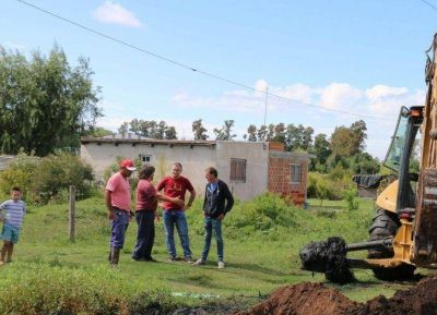 Extendido de la red de agua potable en barrio El Triángulo