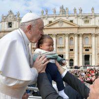 El Papa a los pediatras: que la sanidad sea incluyente y que las curas no sean solo para ricos