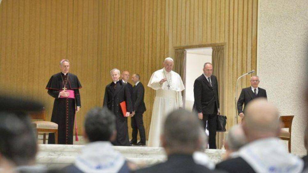 Papa al Centro Turístico Juvenil: con los ojos abiertos al mundo