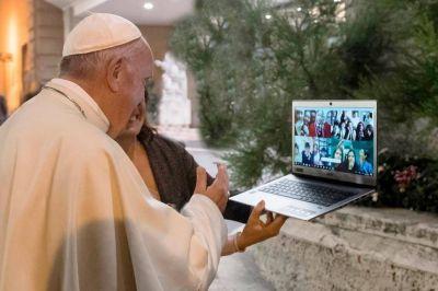 El Papa lanza un plan para que chicos aprendan a programar gratis