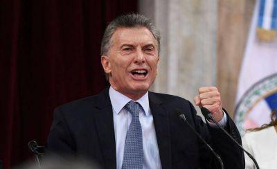 Segundo en intención de voto, más imagen negativa y menos confianza: desalientan los sondeos a Macri