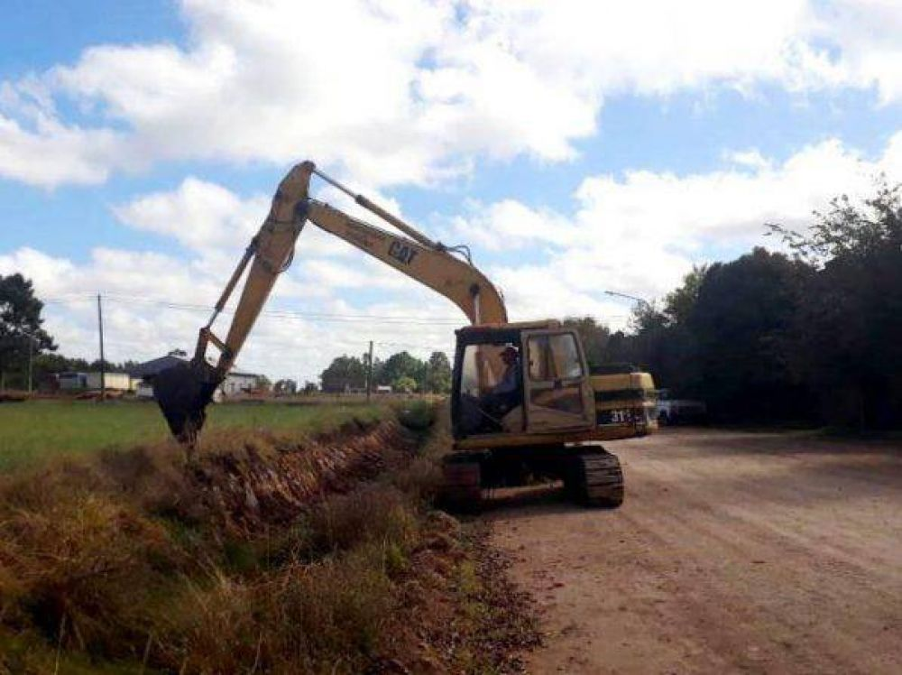 Reacondicionan canal en Fernández para evitar futuras inundaciones