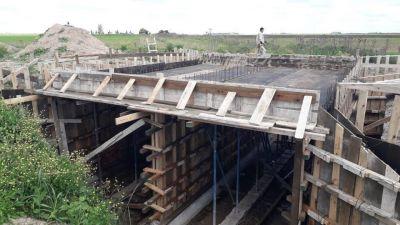 CHASCOMÚS: Avanza la construcción del nuevo puente en el camino de Las Mulas