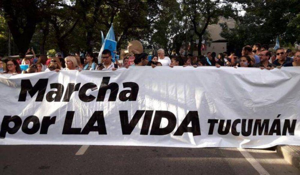 """Miles de tucumanos participaron de la """"Marcha por la vida"""" en plaza Independencia"""