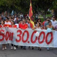 A 43 años de Golpe, grupos de derechos humanos marchan por el Día de la Memoria