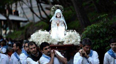 Esperan la visita de miles de fieles católicos a La Plata por la llegada de la Virgen del Cerro de Salta