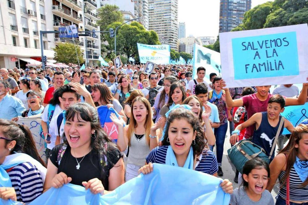 Multitudinarias marchas por el niño por nacer en distintos puntos del país