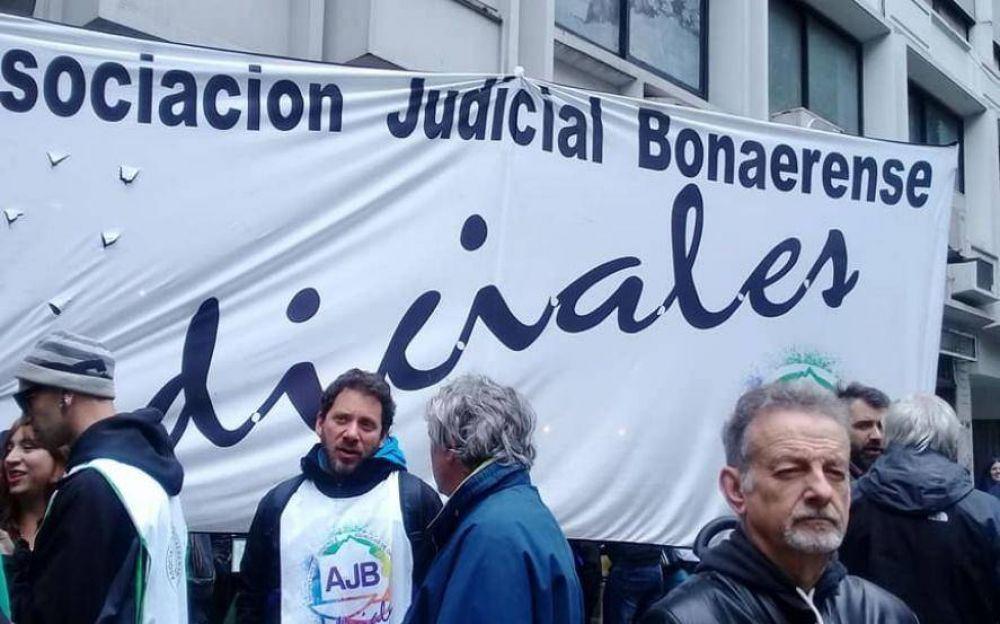 """Reclamo salarial: judiciales van al paro este miércoles ante el """"silencio"""" del gobierno bonaerense"""