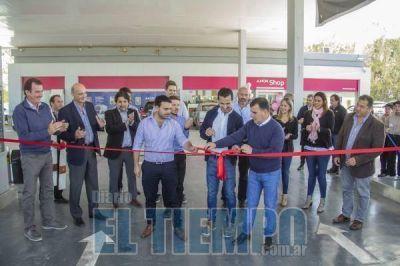 Importante emprendimiento quedó inaugurado en Azul: AXION