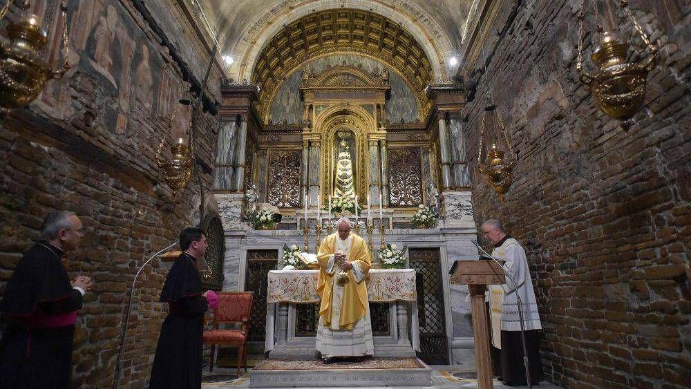 Papa: Loreto, un lugar para sacar fuerzas y esperanza