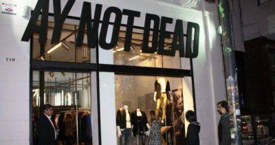 La caída del consumo no distingue marcas y AY Not Dead entró en concurso preventivo