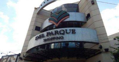 Cierra el shopping de Villa del Parque y despide 200 empelados