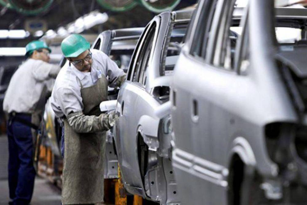 El verdadero derrame: tras el parate de Peugeot la proveedora Lear suspendió a su personal