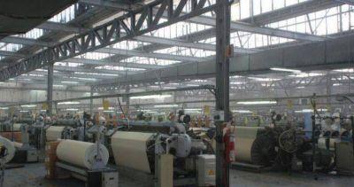 La actividad en la textil Algoselan no levanta y vuelve a suspender personal