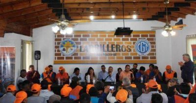 Cáceres buscará retener la conducción de ladrilleros para el Movimiento Evita