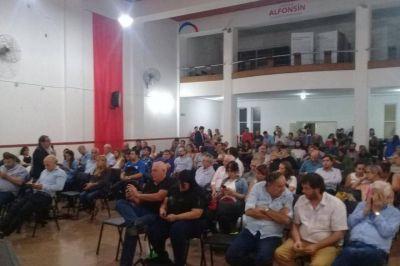 Radicalismo porteño mira una tercera opción y se aleja más de Macri: