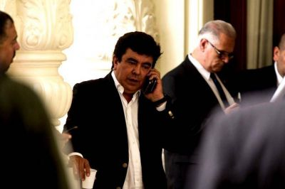 """Espinoza pide """"lista consensuada"""" para Gobernador, aunque ratifica su candidatura"""