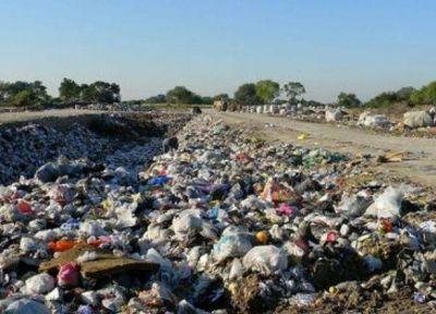 Bernardo Voloj: el funcionario fantasma de Chaco que no da respuestas a los problemas de la basura