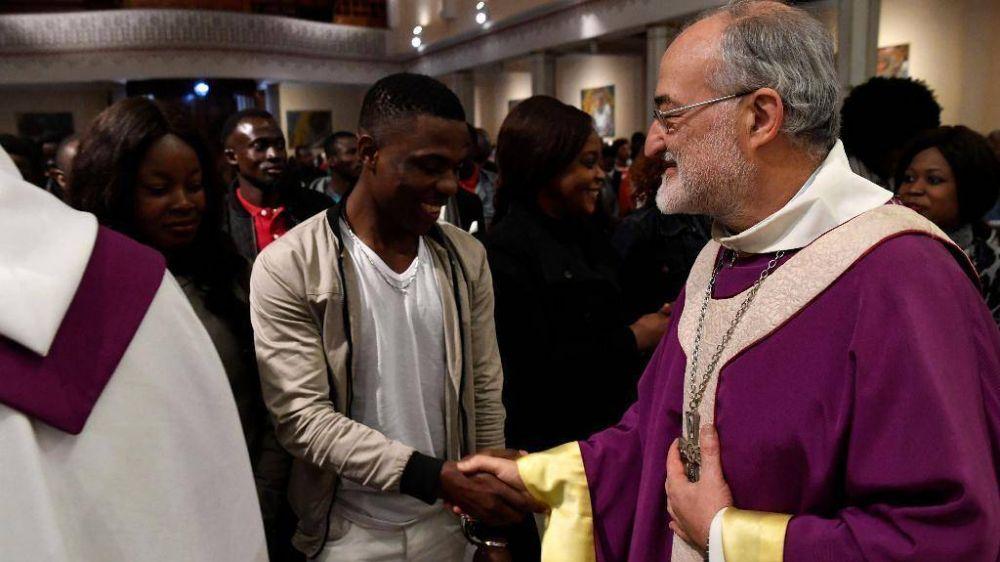 """El arzobispo de Rabat: con el Papa """"samaritanos"""" para los migrantes"""