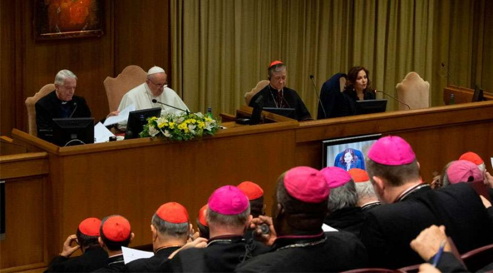 El Papa Francisco obliga a denunciar ante la justicia vaticana casos de abusos