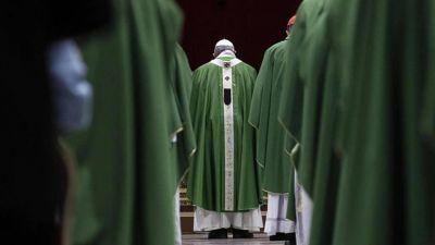 """El paso """"inequívoco"""" del Papa: normas """"a la vanguardia"""" contra la plaga de la pederastia"""