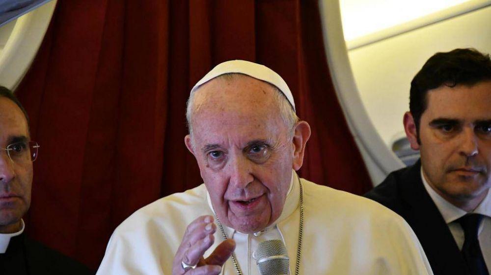 El Papa volviendo de Marruecos: pongamos puentes en los puentes