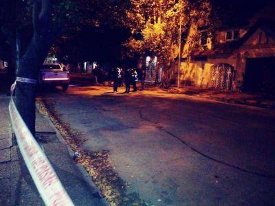 Asesinan a un hombre a pocas cuadras del centro para robarle su motocicleta