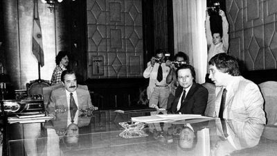 Raúl Alfonsín y los sindicatos: el proyecto de ley que selló una enemistad sin retorno