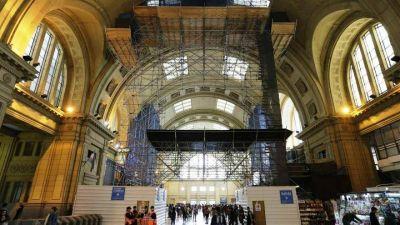 """El gobierno de la Ciudad, cómplice del 85 por ciento de empleados """"en negro"""" en las estaciones de trenes"""