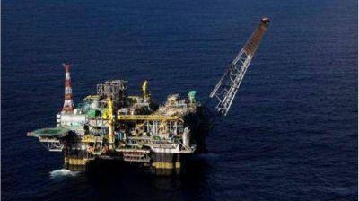 Abren en dos semanas ofertas de 15 petroleras para explorar el Mar Argentino