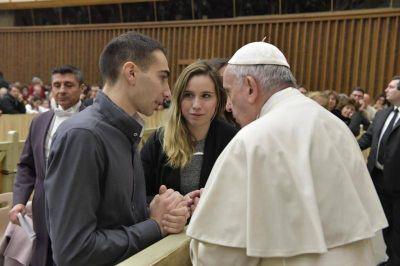 """Cristo vive: """"Los miembros de la Iglesia no tenemos que ser 'bichos raros'"""" asegura el Papa"""