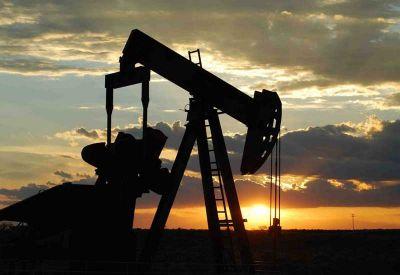 El petróleo cae tras aumento de stocks de EEUU