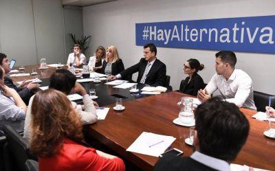 """Massa encabezó un encuentro como """"parte del compromiso con la transparencia del Estado"""""""