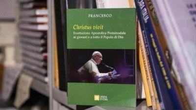 'Dios los ama, la Iglesia necesita de la juventud', dice el Papa en la Exhortación a los jóvenes