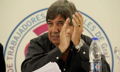 Municipales: reclamo salarial con cláusula gatillo y dardos a la CGT