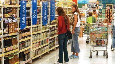 Congelan precios en supermercados por seis meses y suman descuentos para jubilados y beneficiarios de AUH
