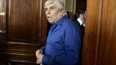 Moyano y legisladores K denunciaron a Macri por espionaje ilegal