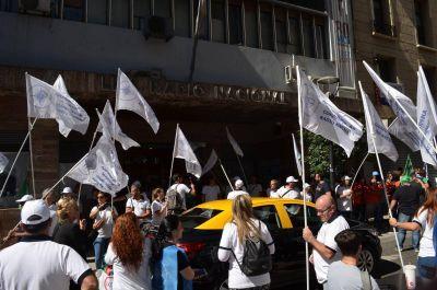 """AJEPROC: """"Los trabajadores de Radio Nacional estamos agotando toda la paciencia"""""""