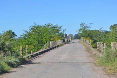 La justicia ordenó a la Municipalidad clausurar la circulación sobre el viejo puente del Canal 9
