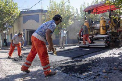 Se trabaja en el reasfaltado de la calle Pueyrredón