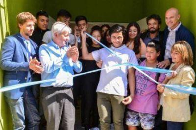 Andreotti inauguró la renovación de la Primaria N° 7 y Secundaria N° 16