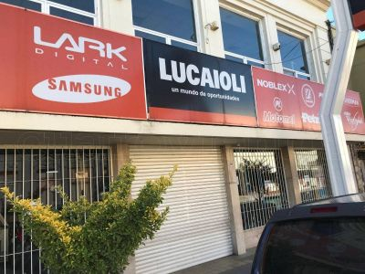 Lucaioli Necochea cerró sus puertas y dejó a sus empleados sin trabajo