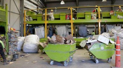 Les abren las puertas a los recicladores