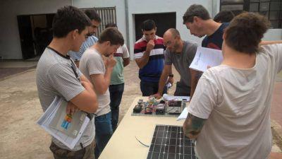 Capacitan en instalación y autoconstrucción de equipos de energías renovables